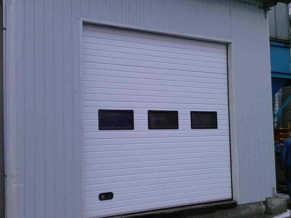 секционные гаражные ворота в калининграде видео